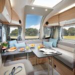 Pegasus Grande SE Brindisi Lounge with Table