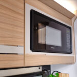 Unicorn V - Dometic Microwave